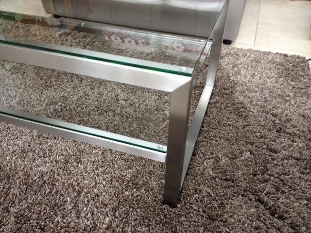 mooie salontafel met glasplaat